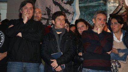 Kicillof con Máximo Kirchner y Andrés Larroque, en un acto inicial de campaña