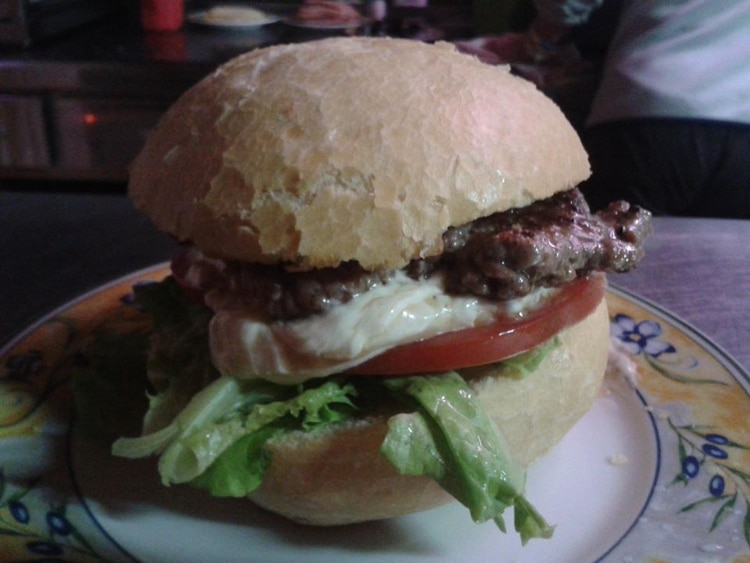 Hamburguesería Cuchus, ubicado en Bizkaia, España, es un restaurante familiar en Bizkaia