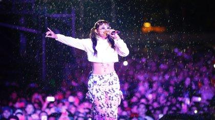 Cazzu se destacó con un show épico bajo la lluvia en el Buenos Aires Trap (Mono Gómez / Lauria Dale Play)