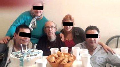 El 16 de junio de 2016, la enfermera confidente se ocupó junto a unos ex vecinos de Barreda de celebrarle sus 80 años