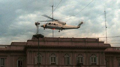 El ícono de la crisis de 2001 fue el helicóptero en el que el 20 de diciembre a las 19:52 Fernando de la Rúa huyó de la Casa Rosada