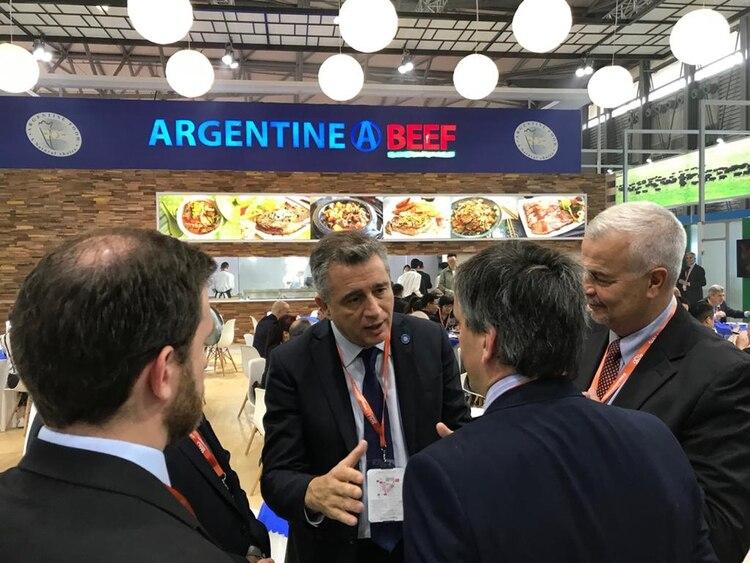 El secretario de gobierno de Agroindustria, Luis Miguel Etchevehere, presente en el pabellón Argentine Beef, de la Sial China 2019