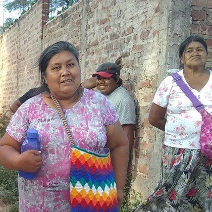 """""""Nosotras pedimos que nos respeten como personas y que no nos atropellen como animales"""", pide Ercilia Aguero de Juárez y denuncia que, después de hablar con la prensa, los integrantes de su comunidad sufrieron represalias."""