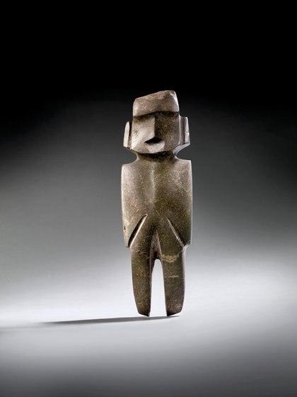 PERSONAJE DE PIE MEZCALA, APROX. 300-100 a. C. Precio estimado: EUR 15,000 - EUR 18,000.