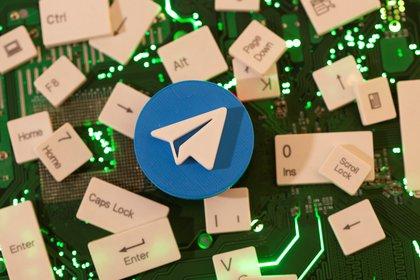 Telegram tenía una falla de seguridad en la versión para macOS (REUTERS/Dado Ruvic/Illustration)