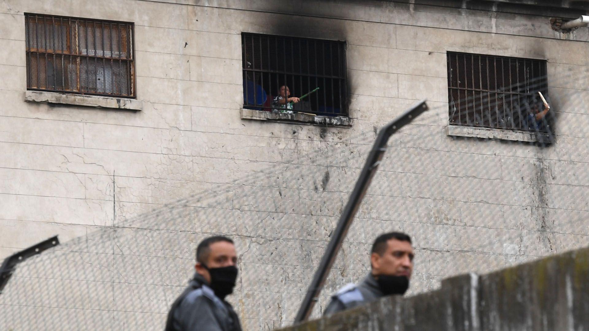 Un grupo de presos en la cárcel de Villa Devoto se amotinaron para reclamar mejores condiciones de detención y el otorgamiento de la prisión domiciliario. (Maximiliano Luna)