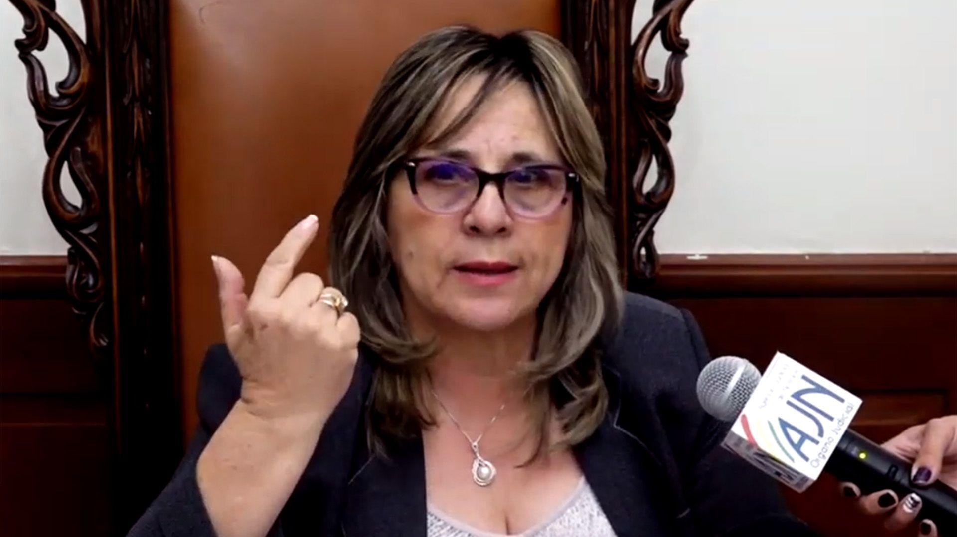 María Cristina Díaz Sosa. la preferida de Luis Camacho para liderar la transición