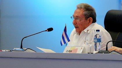 Raúl Castro se retirará en febrero de 2018. Ya tiene organizada su sucesión (EFE)