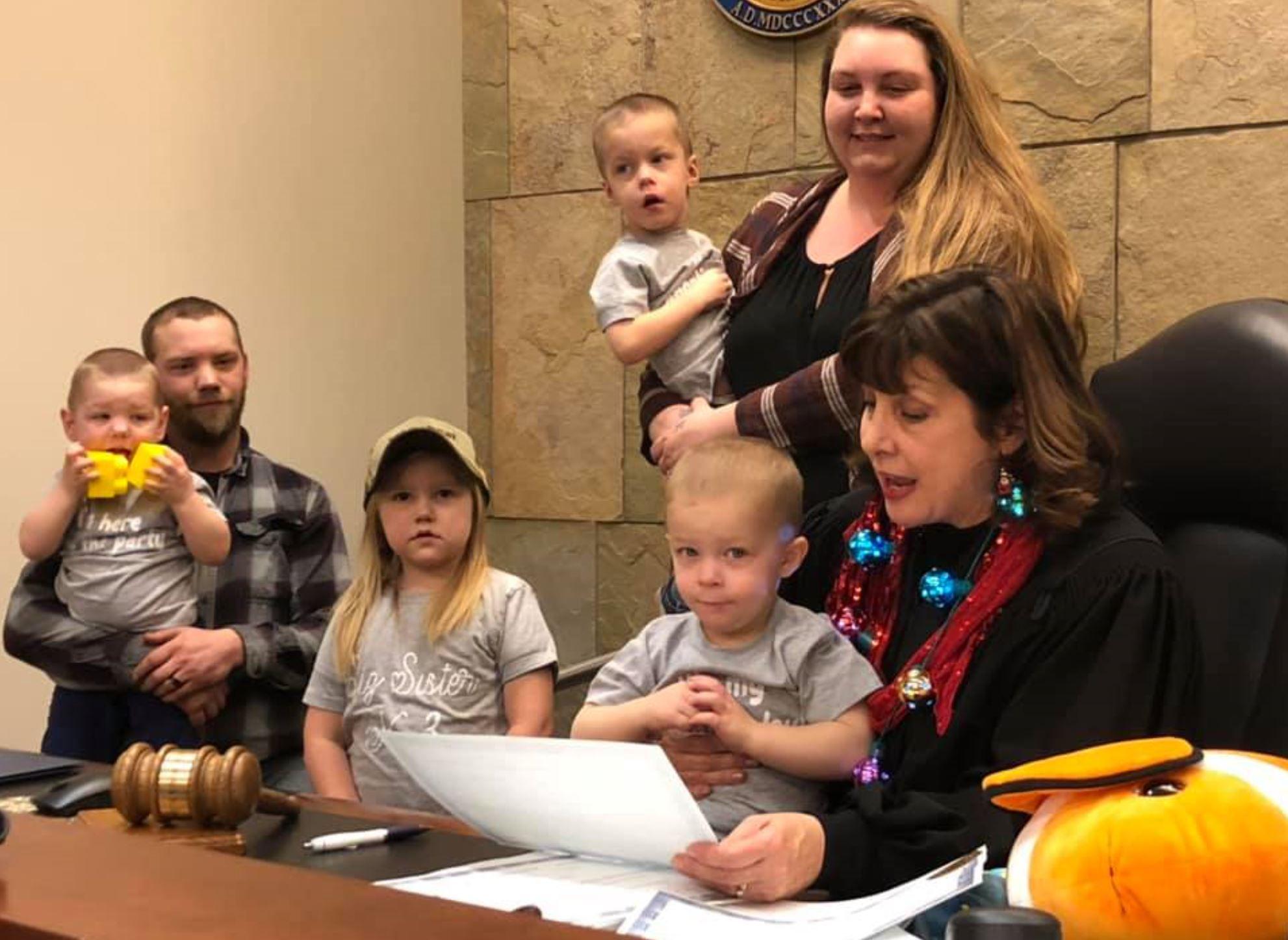 """Anualmente el condado de Kent en Michigan, Estados Unidos, celebra el """"D{ia de la Adopción"""" (Foto: Kent County Michigan Facebook)"""