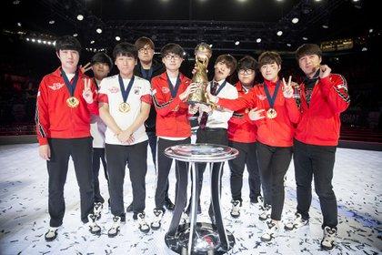 SKTelecom T1 vs Counter Logic Gaming at the 2016 Mid-Season Invitational (MSI) at the Shanghai Oriental Sports Center in Shanghai, China on 15 May, 2016.
