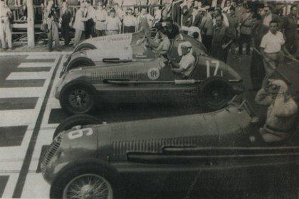 De arriba hacia abajo: Oscar Gálvez (14), Juan Manuel Fangio (11), Liugi Villoresi (17) y Giuseppe Farina (16).