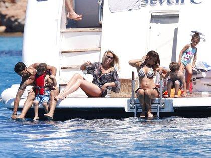 Suárez, Balbi, Roccuzzo y sus hijos en una de las últimas vacaciones que compartieron (Foto: Grosby Group)