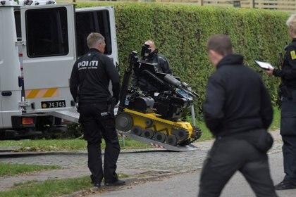 La policía rodea a Madsen (Ritzau Scanpix/Nils Meilvang via REUTERS)