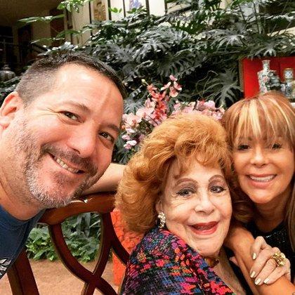 Luis Enrique Guzmán dio a conocer la situación que está enfrentando su mamá (IG: laguzmanmx)