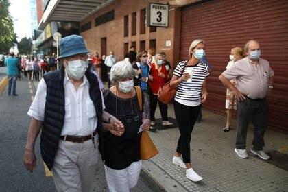 En el Gobierno advierten que los casos pasarán la barrera de los 30.000 en el corto plazo (Foto: Reuters)
