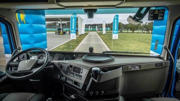 La cabina suma múltiples prestaciones al servicio y comodidad del conductor (Volvo)