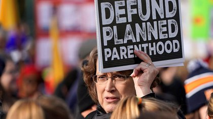 Una manifestación anti-aborto en Washington en enero de este año pedía el desfinanciamiento de Planned Parenthoood (REUTERS/Joshua Roberts)