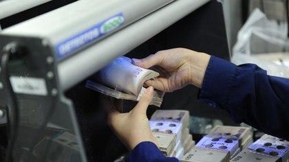 El Gobierno anterior concentró la emisión en los billetes de 100 pesos.