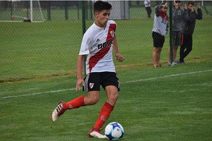 Santiago Simón, la sorpresa de la lista de convocados de Marcelo Gallardo para enfrentar a Banfield (River Oficial)