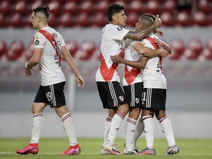 Al Millonario le costó llegar al gol, pero eliminó con justicia a Paranaense (Reuters/ Juan Mabromata)