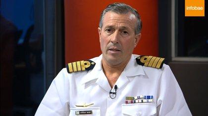 Foto de archivo. El capitán de navío Enrique Balbi, entonces vocero de la Armada, en entrevista con Infobae