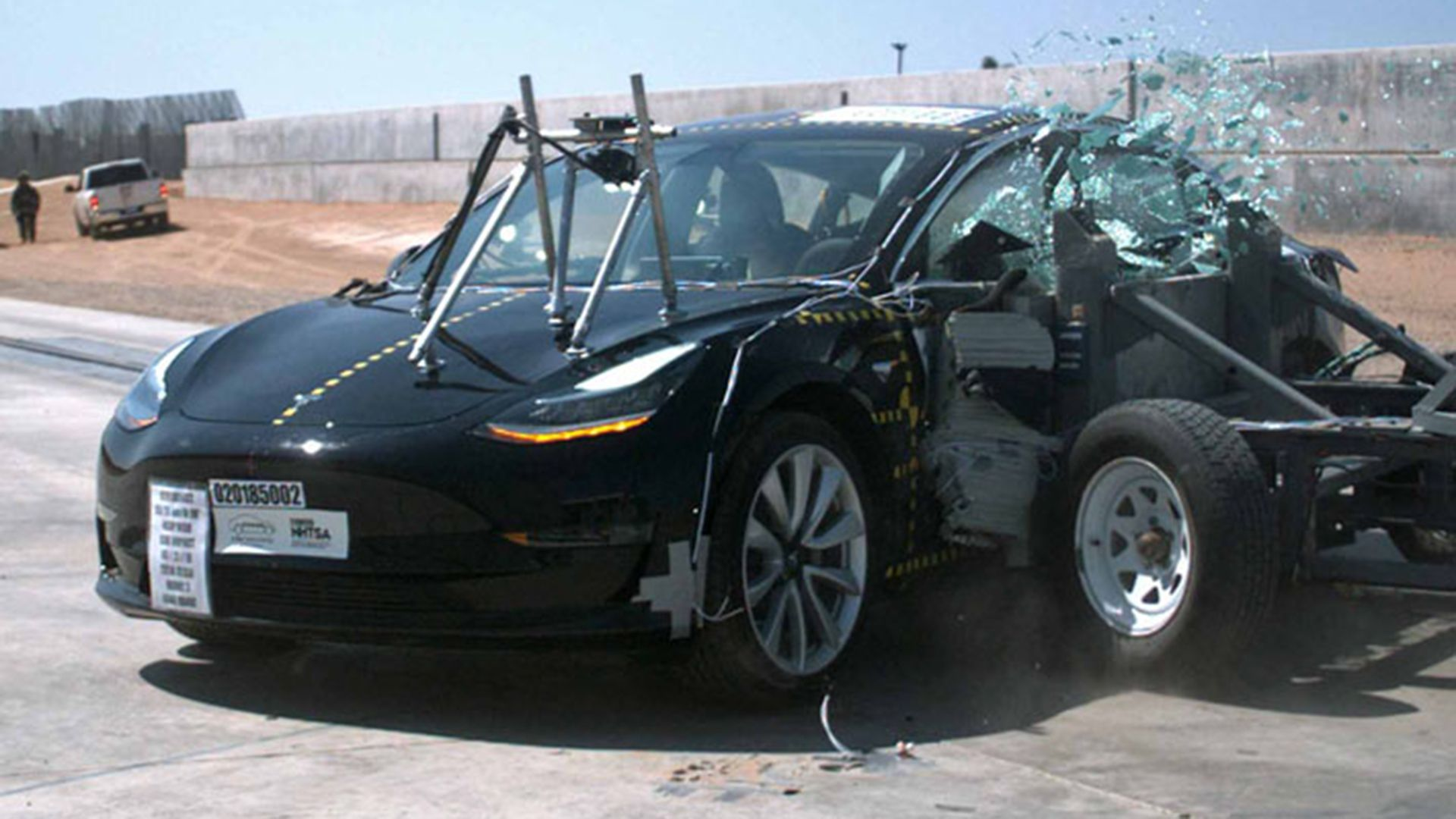 """The National Highway Traffic Safety Administration (NHTSA), encargado de las pruebas de choque en EEUU, lo calificó como el auto con """"la probabilidad de lesión más baja jamás probada"""""""