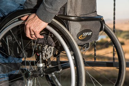 El 55% de quienes ejercen la profesión de terapia y rehabilitación tienen menos de 30 años (Foto: Pixabay)