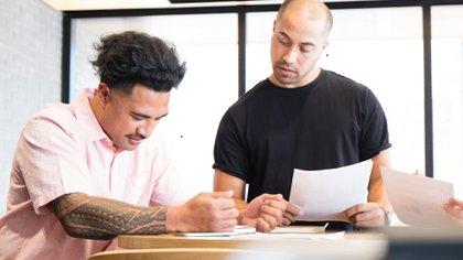 Dos estudiosrevelaron cuál es la percepción de las personas con tatuaje en las entrevistas laborales (Getty Images)