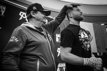 Don Chepo Reynoso ha preparado físicamente al boxeador mexicano (Foto: Instagram Canelo)
