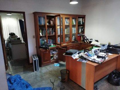 La oficina del director de Confidencial, Carlos Chamorro, saqueada por las autoridades (Gentileza: Confidencial)