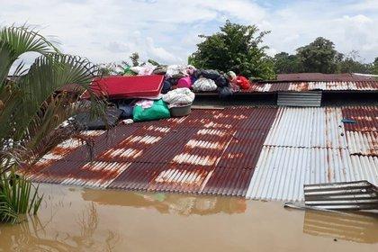 Fotograf�a cedida por la Defensa Civil de las inundaciones, el 15 de noviembre del 2020, en Quibd� (Colombia). EFE/ Defensa Civil