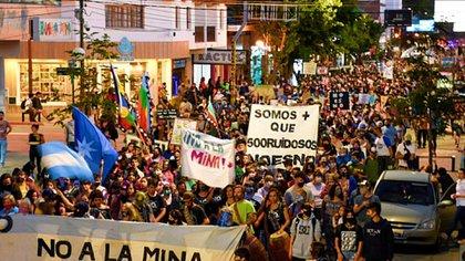 Protestas por la minería en Chubut (@Red__Accion /Twitter)