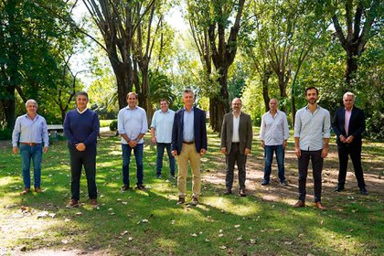 Mauricio Macri con los intendentes del Grupo Dorrego