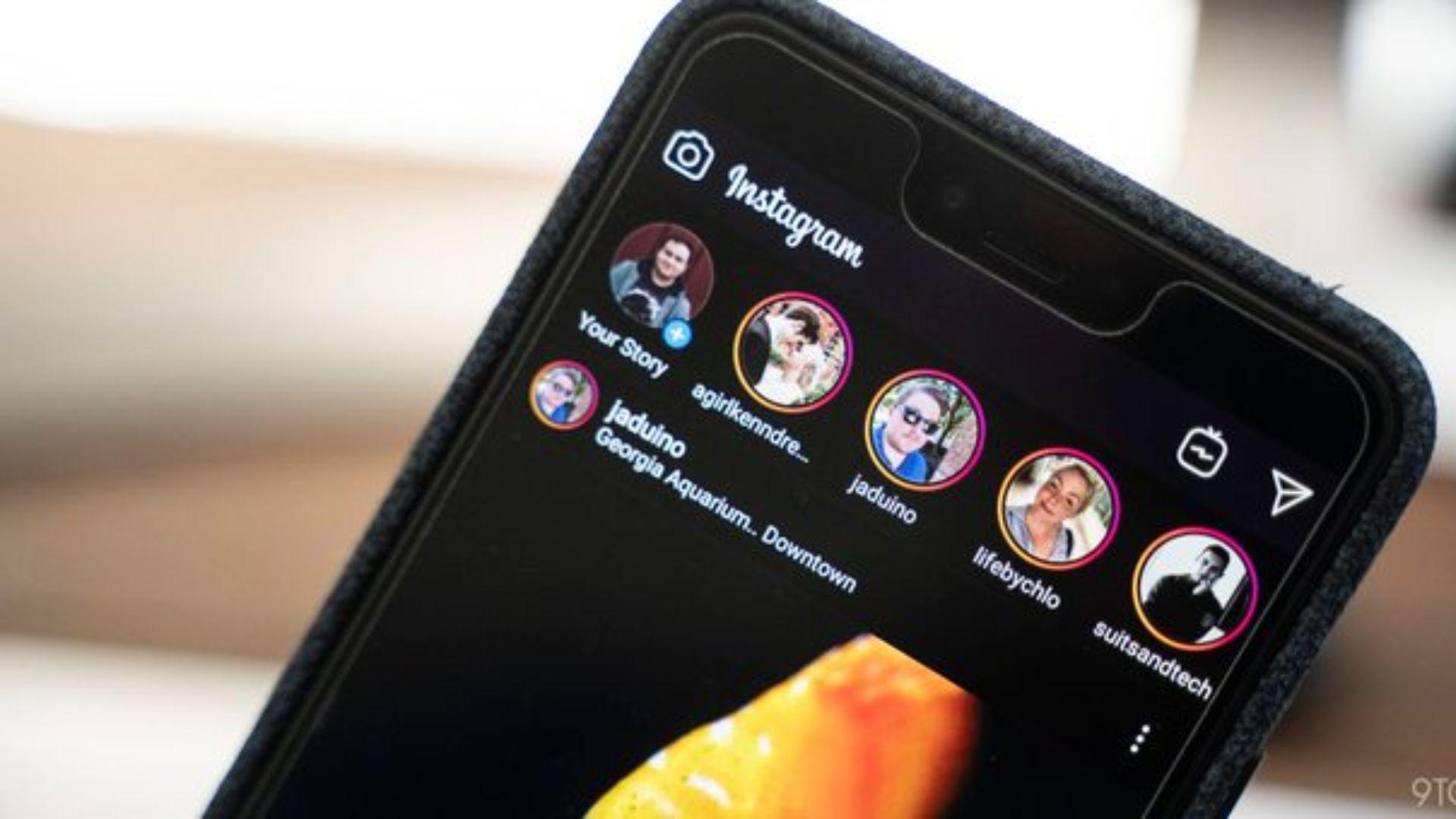 El modo oscuro ya está disponible en varias aplicaciones, como Instagram.