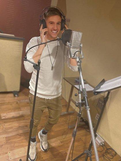 Benjamín Torres en el estudio de grabación