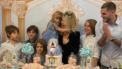 Wanda y sus cinco hijos