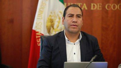 El senador Eduardo Rameres, presidente del Senado, ha pedido una revisión de la constitución de la nueva consulta con la SCJN (foto: Twitter @ramirezlalo_)