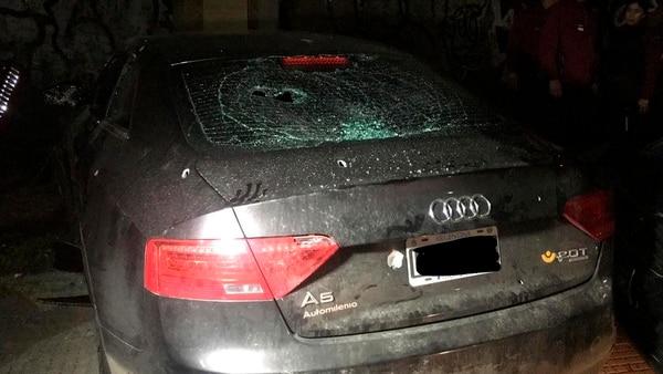 Así quedó el Audi A5 que robó el delincuente en Mataderos