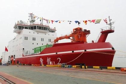 El Xue Long II, primer rompehielos de investigación fabricado en China (Reuters)