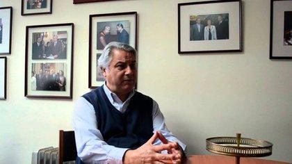 Diputado Jaime Naranjo (PS) Presidente de la comisión de Relaciones Exteriores de Chile.  Autor del proyecto que busca poner control a inversiones de empresas extranjeras en Chile