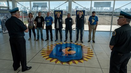 Los integrantes del grupo fueron recibidos por las autoridades de la Policía Federal