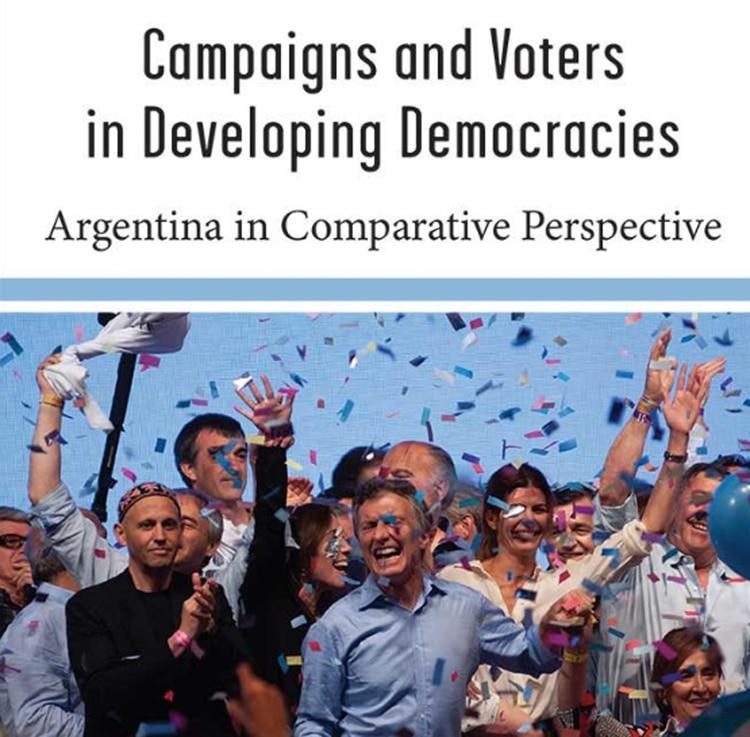 """La tapa del trabajo, llamado """"campañas y votantes en democracias en desarrollo"""""""