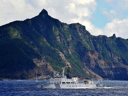 Un barco de vigilancia de la Guardia Costera China en las islas Senkaku (AP)