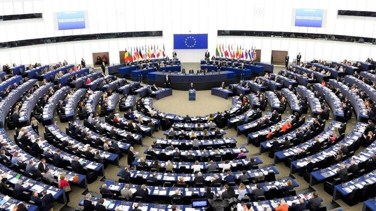 La prórroga significa que el Reino Unido deberá elegir en mayo a sus miembros en el Parlamento Europeo, a pesar de que en octubre podría abandonarlo