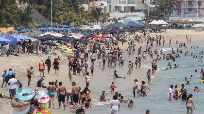 Playas mexicanas lucen llenas en Semana Santa a pesar del COVID- 19 (Foto: Cuartoscuro / Rogelio Morales)