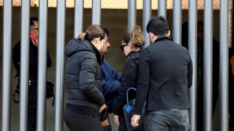 Padres de familia y profesores lamentaron el hecho. (Foto: Jesús Ruiz/Reuters)