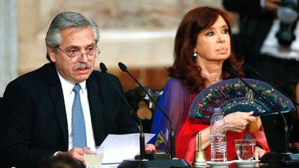 Alberto Fernández y  Cristina Kirchner, este domingo ante la Asamblea Legislativa