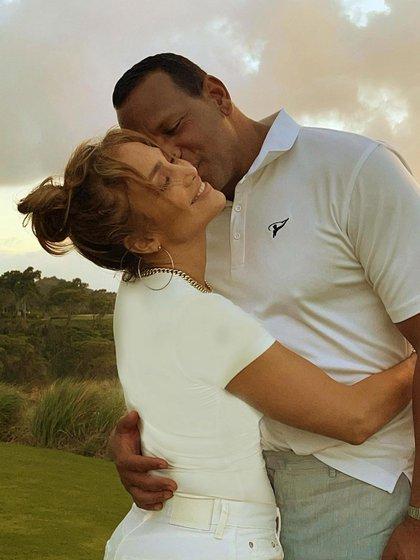 La pareja luchaba por la relación a pesar de estar separados