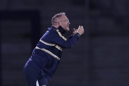 Andrés Lillini fue seleccionado como director técnico de Pumas unas semanas antes de que comenzara el torneo (Foto: REUTERS / Henry Romero)