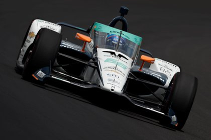 Fotografía cedida por Indycar donde aparece el piloto español Fernando Alonso durante las prácticas del Indy 500 en el Indianapolis Motor Speedway en Indianápolis, Indiana (EE.UU.). EFE/Joe Skibinski/IndyCar